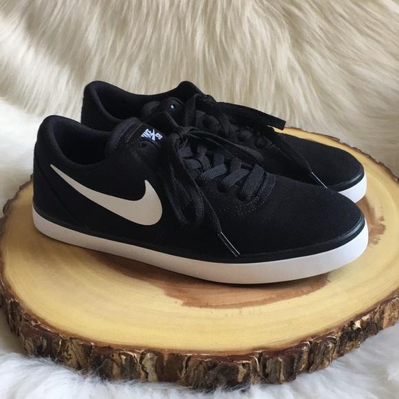le scarpe nike sb garantiti poshmark
